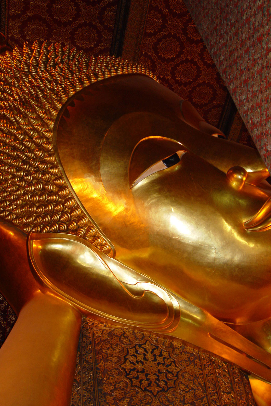 Close up picture of Reclining Buddha in Bangkok