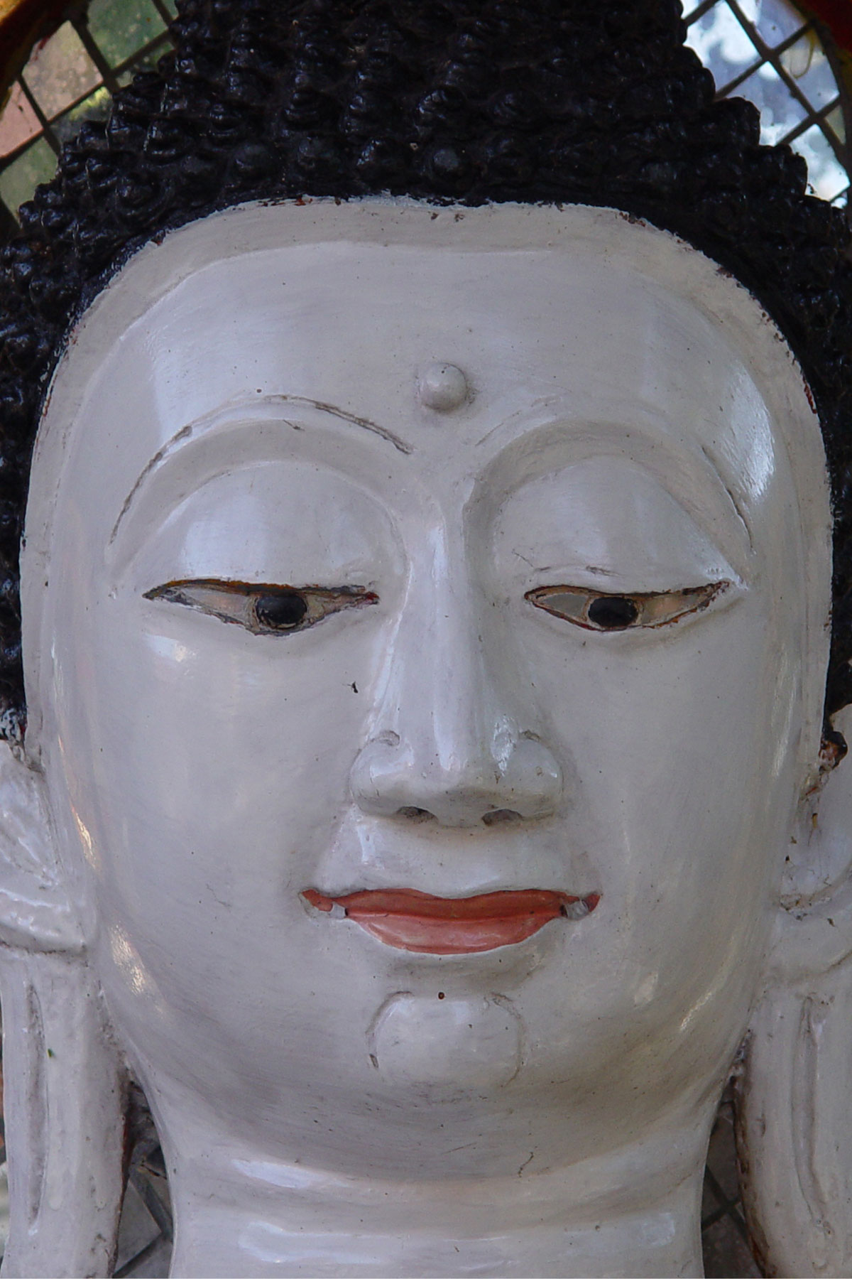 Picture of White Buddha from Thailand